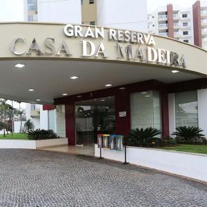 Aluguel para temporada em Caldas Novas no Gran Reserva Casa da Madeira