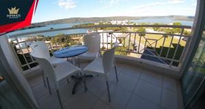 Apartamento um quarto a venda as margens do Lago Corumbá em Caldas Novas