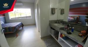Casa de alto padrão a venda em Caldas Novas no Condomínio Marinas