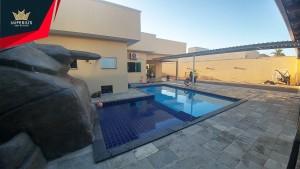 Casa de alto padrão com piscian a venda em Caldas Novas no Setor Caldas do Oeste